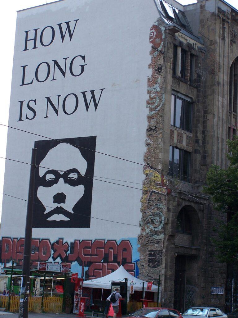Muurtekening in Berlijn.